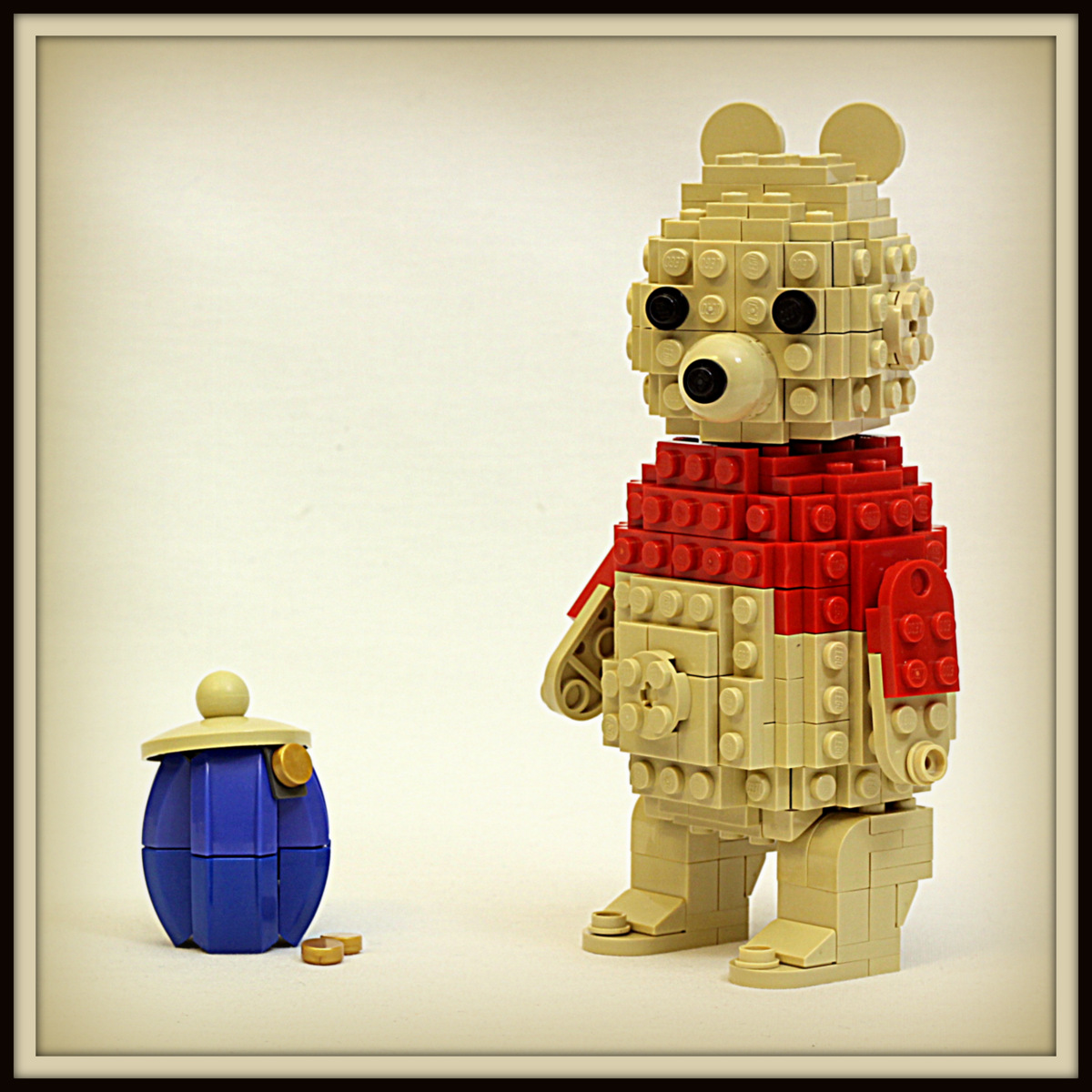 LEGO Winnie the Pooh with Honeypot